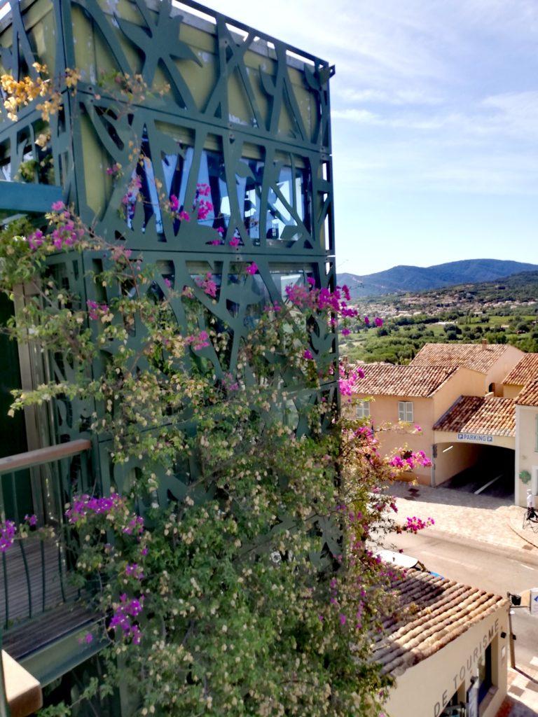 L'ascensseur panoramique de la maison du Tourisme