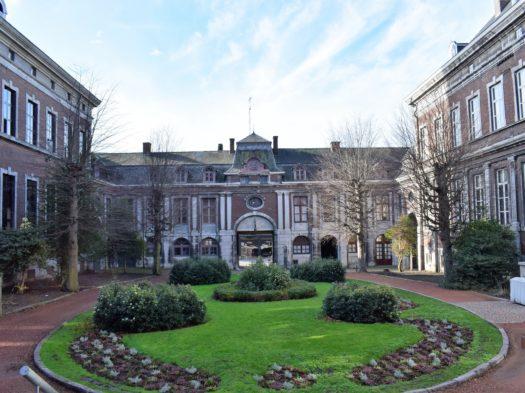 La cour de l'Abbaye