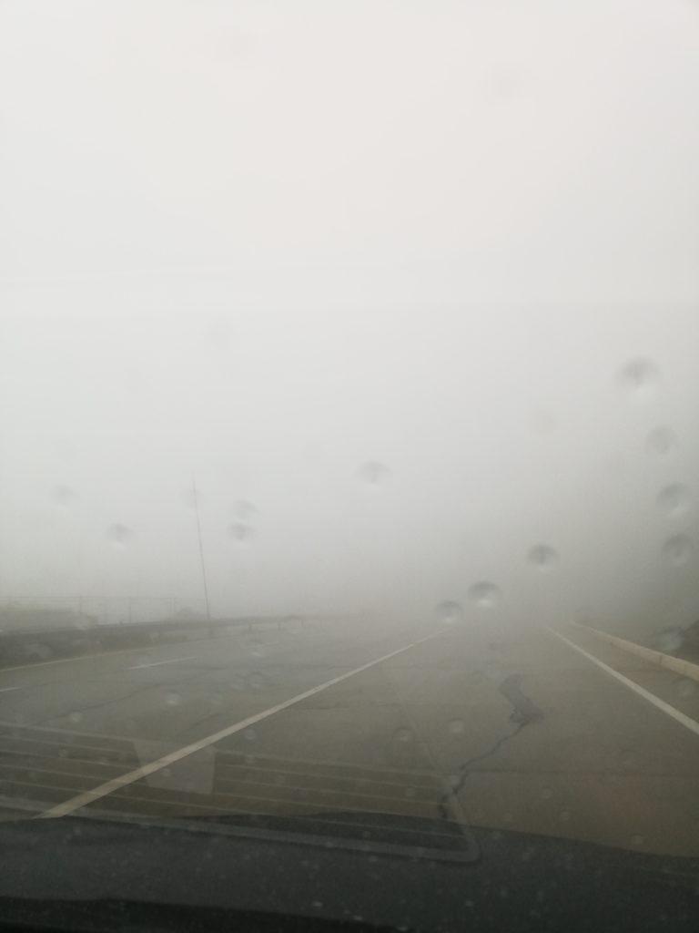 La voiture dans les nuages